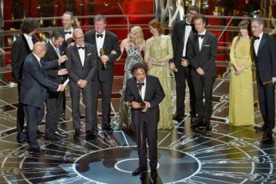 """Sem surpresas, """"Birdman"""" encerra festa do Oscar com prêmio de Melhor Filme"""