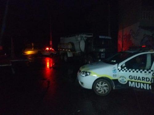 """Caminhão que despejou dejetos no Guaraú """"foi preso"""", mas a sujeira continua livre"""