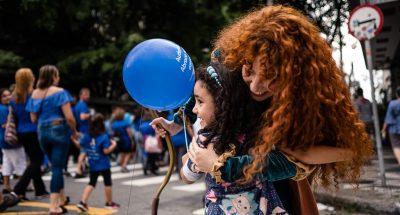 Jovem realiza Páscoa saudável e diferente para crianças de creche