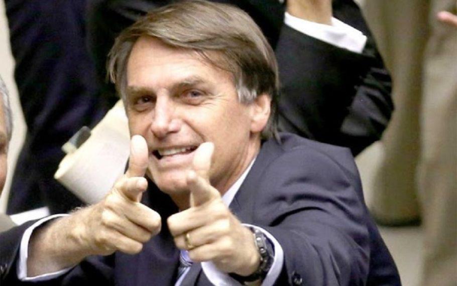 """Bolsonaro mostra """"reportagem isenta"""" para desmentir fome no Vale do Ribeira"""