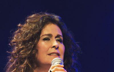 Joanna se apresenta em São Paulo, celebrando 40 anos de carreira