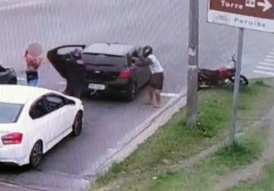 Dupla é presa após assalto e parte da população elogia monitoramento por câmeras