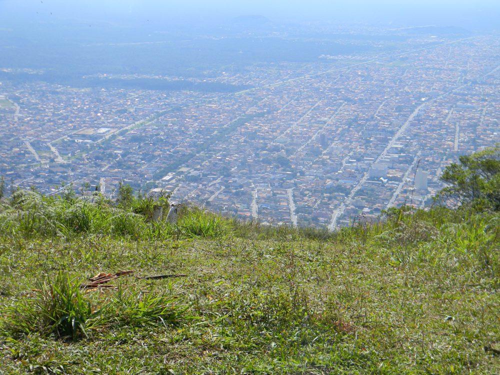 Pico dos Itatins sofre com a visitação desordenada e o estado promete aumentar a fiscalização
